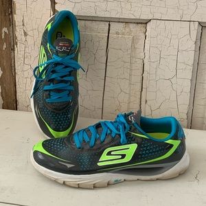 Skechers GOmeb athletic shoes Size 9